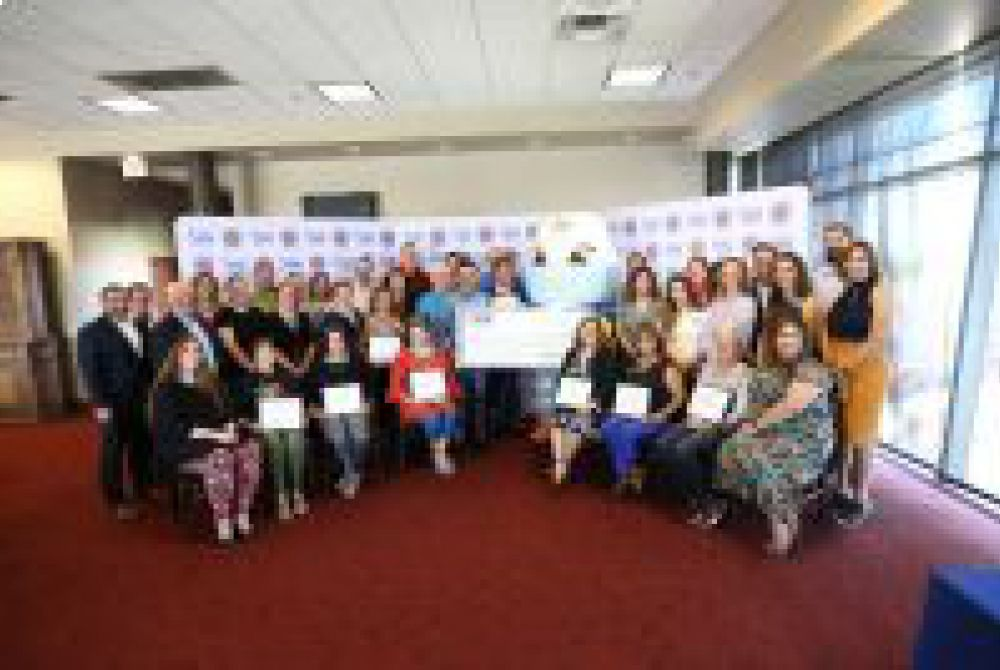 EPE Awards Donations to New Mexico Community Groups and Organizations